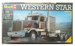 1/25 Scale Revell Western Star Conventional Truck Model Truck Kit 7517