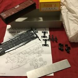 Accurail Ho Scale 40' Cb And Q Boxcar 4002 Brand New Fast Ship