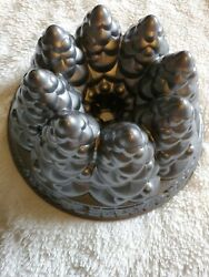 Nordic Ware Aluminum Christmas Holiday Tree And Train Bundt Cake Pan 10 Cups. Wb