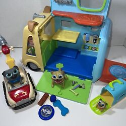 Disney Junior Puppy Dog Pals Care Bus Interactive W/ Rolly And Jr + Car + Lots Mr