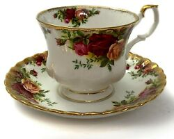 Royal Albert Bone China Tea Cups And Saucers Old Country Roses Gold Trim England