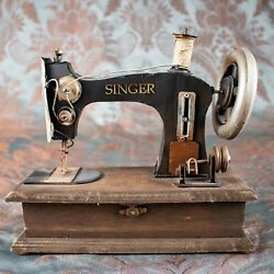 Sewing Machine With Tools Hidden Jewelry Box [this Is Not A Toy For Decor Use]