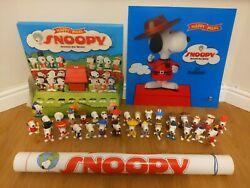 Mcdonalds Snoopy Around The World 1999 Display 30 Figures Stand Poster Translite