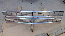 Nos 1967 Ford Galaxie 500 Xl Ltd Grille Center Original Fomoco 7-litre