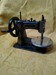 Antique Stitchwell Salesman Sample Or Childs Sewing Machine National Cast Iron