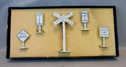 Comet Metal Products X-5 O Scale Authenticast Metal Railroad Signs In Ob