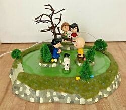 Department 56 Peanuts Animated Easter Beagle Egg Hunt Year 2006 Snoopy
