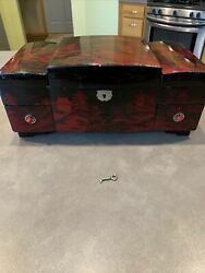 Old Japanese Asian Red Black Lacquer Jewelry Music Box Hand Painted As-is Read