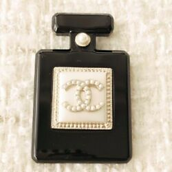 Very Rare  Brooch No.5 Black×pearl×gold For Women Unused Nice