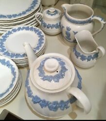 Wedgwood Vintage Dinner Set 48 Pieces Excellent Cond Dishes, Cups , S/p Etc