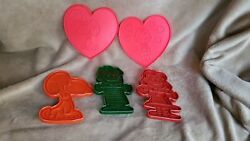 Vintage Peanuts Cookie Cutters Lucy Linus Snoopy Valentine Hearts