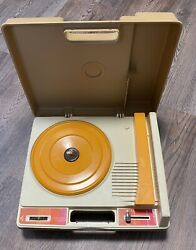 Vintage 1978 Fisher Price 825 Childrens Record Player W/ Needle Works Nice