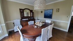 Victorian Antique Table With 8 Chairs And 2 Leaves.