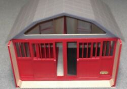 BREYER Wooden Red HORSE Barn w REMOVABLE ROOF MOVEABLE LOFT EXCELLENT CONDITION