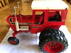 International 1568 V8 Farm Toy Tractor With Chrome Plated Mufflers  Ertl - 1/16
