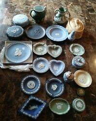 Huge Lot Of Wedgwood Vtg Embossed Queensware Shell Edge Super Nice And Rare