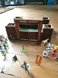 Fort Scott Vintage Wooden Toy Play Fort Cowboys Indians Horses