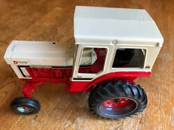 International 1066 Special Edition 5 Millionth Farm Toy Tractor By Ertl - 1/16