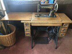 Antique Singer Sewing Machine In Cabinet W/5 Drawers
