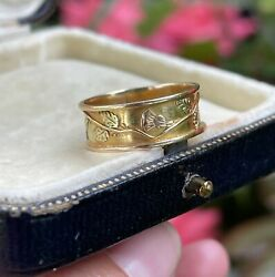 An Early 20th Century 18ct Gold Foliate Band Ring Stamped 18 N 2.6g 7mm