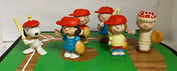 Snoopy Willitts Baseball Diamond With Mini Porcelain Players