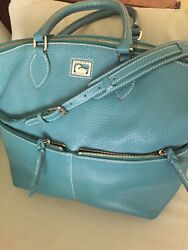dooney and bourke green leather purse preowned $110.00