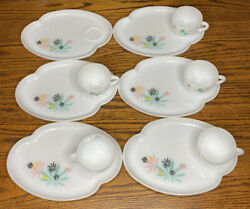 Vintage Federal Milk Glass Atomic Flower Design Set Of 6 Snack Plates And 5 Cups
