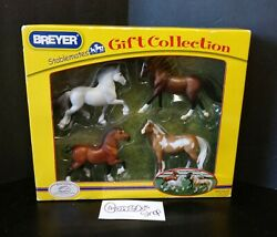 BREYER STABLE MATES GIFT COLLECTION NO. 5976