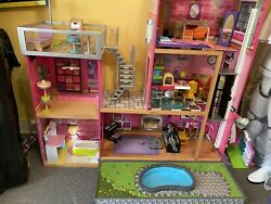 Kidkraft 65833 Girl's Uptown Dollhouse With Furniture