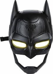 Dc Comics Batman Voice Changing Mask With Over 15 Phrases