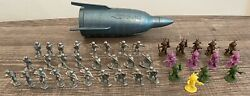 Rare Vtg 1960's Giant Hong Kong Space Ship 13 Alien 26 Soldier Figure Toy Marx