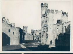 1984 Photo Queen Eleanor Wales Royalty Title English Carnavon Castle
