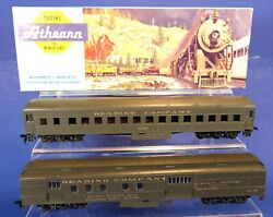 Lot Of 2 Athearn Ho Scale Reading Rr Passenger Cars / Combine And Coach