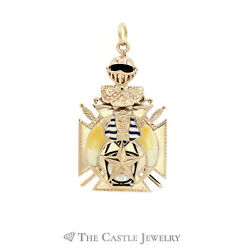 Double Sides Masonic Pendant In 14kt Yellow Gold