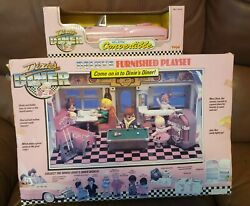 Vintage Tyco Deluxe Furnished Dixie's Diner Playset And Pink Convertible