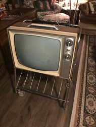 Vintage 1970s Rca Victor Bandw Tv With Stand - Works