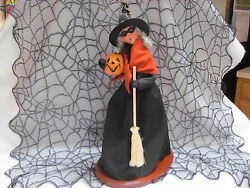 2014 Byers Choice Halloween 19 Inch Display Walking Witch Caroler Signed In Ob