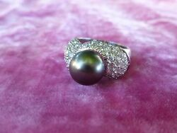 Elegant 18k Gold Black Tahitian Pearl Ring Surrounded By Pave Diamonds
