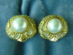 Superb Quality 18k Gold And Diamond Mabe Pearl Earrings 34.9 Grams