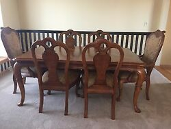 Dining Room Set - Thomasville In Excellent Condition Table + 6 Chairs