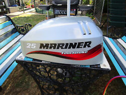 Mariner Mercury F25 25hp 4 Stroke Outboard Top Cowl Cover Hood 830562a8