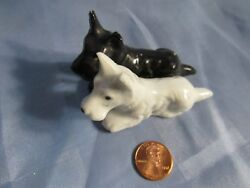 Vintage Miniature Black & White Scottish Scottie TERRIER DUO Made In Japan dogs
