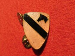 1st Cavalry Division Di Distinguished Insignia Patch Pin Crest Dui Lt Pink