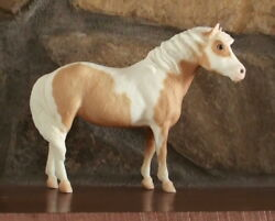 BREYER   1973 FORWARD    ORANGE VARIATION   REALLY PRETTY!