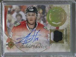 2016-17 Ultimate Collection Signature Material Laureates /10 Jonathan Toews Auto