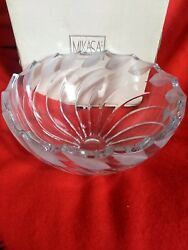Discontinued Mikasa Tempest Large Round 5ib Bowl 8.3/4 Tall Hard To Find.