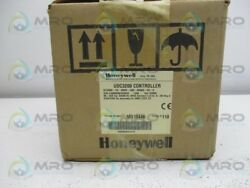 HONEYWELL DC3200-CE-1C0R-210-00000-E0-0 TEMPERATURE CONTROLLER * NEW IN BOX *