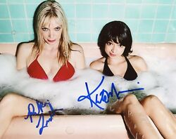 Riki Lindhome And Kate Micucci Auth Hand-signed Garfunkel And Oates 8x10 Photo C