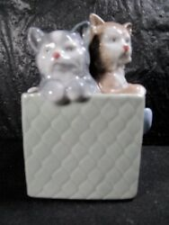 Beautiful Lladro / Nao Two Kittens In A Box Figurines - Nice Piece