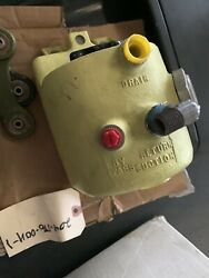 Hydraulic Oil Fluid Tank Bell Uh1h 204-076-004-1 New Helicopter Part